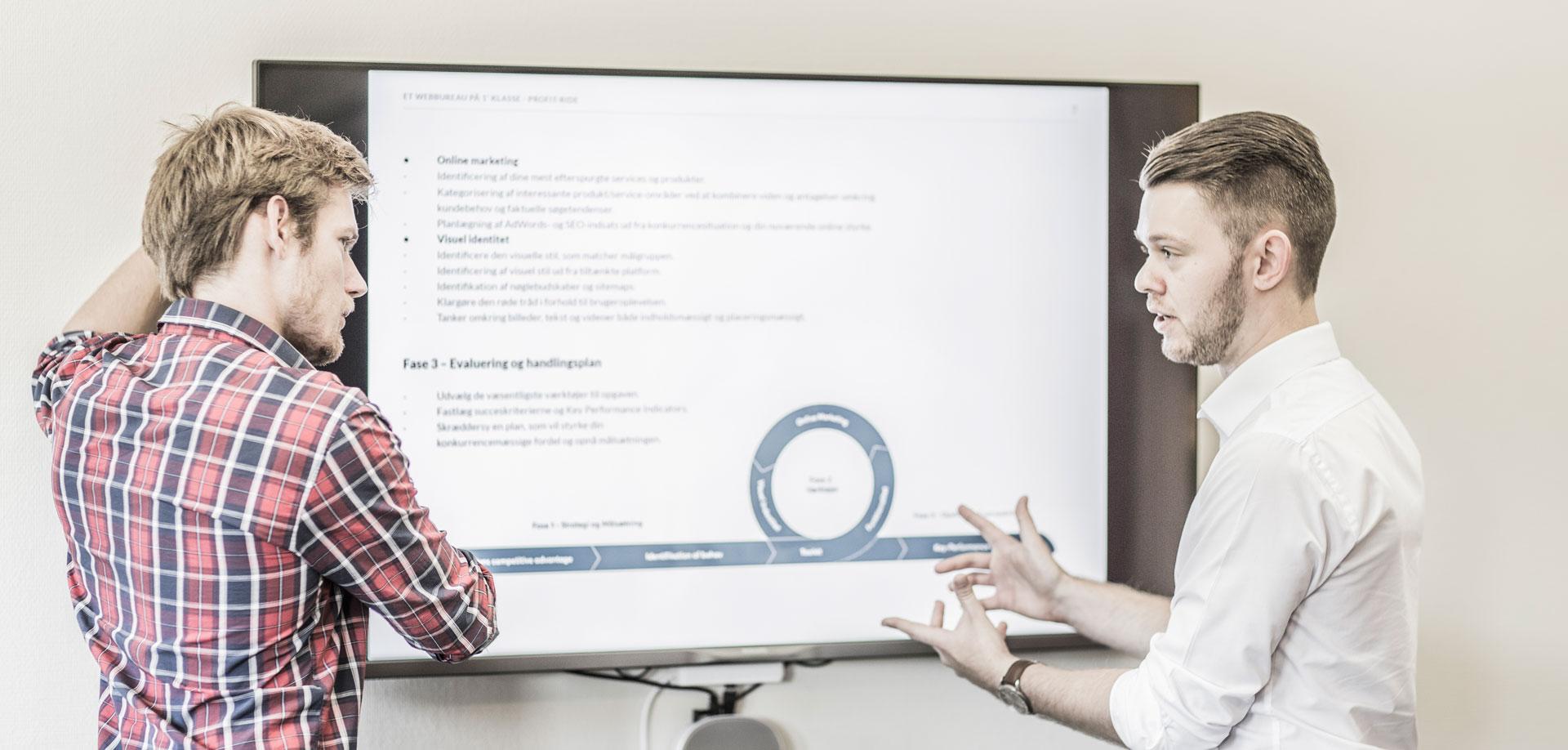 Karsten og Peter snakker om online markedsføring