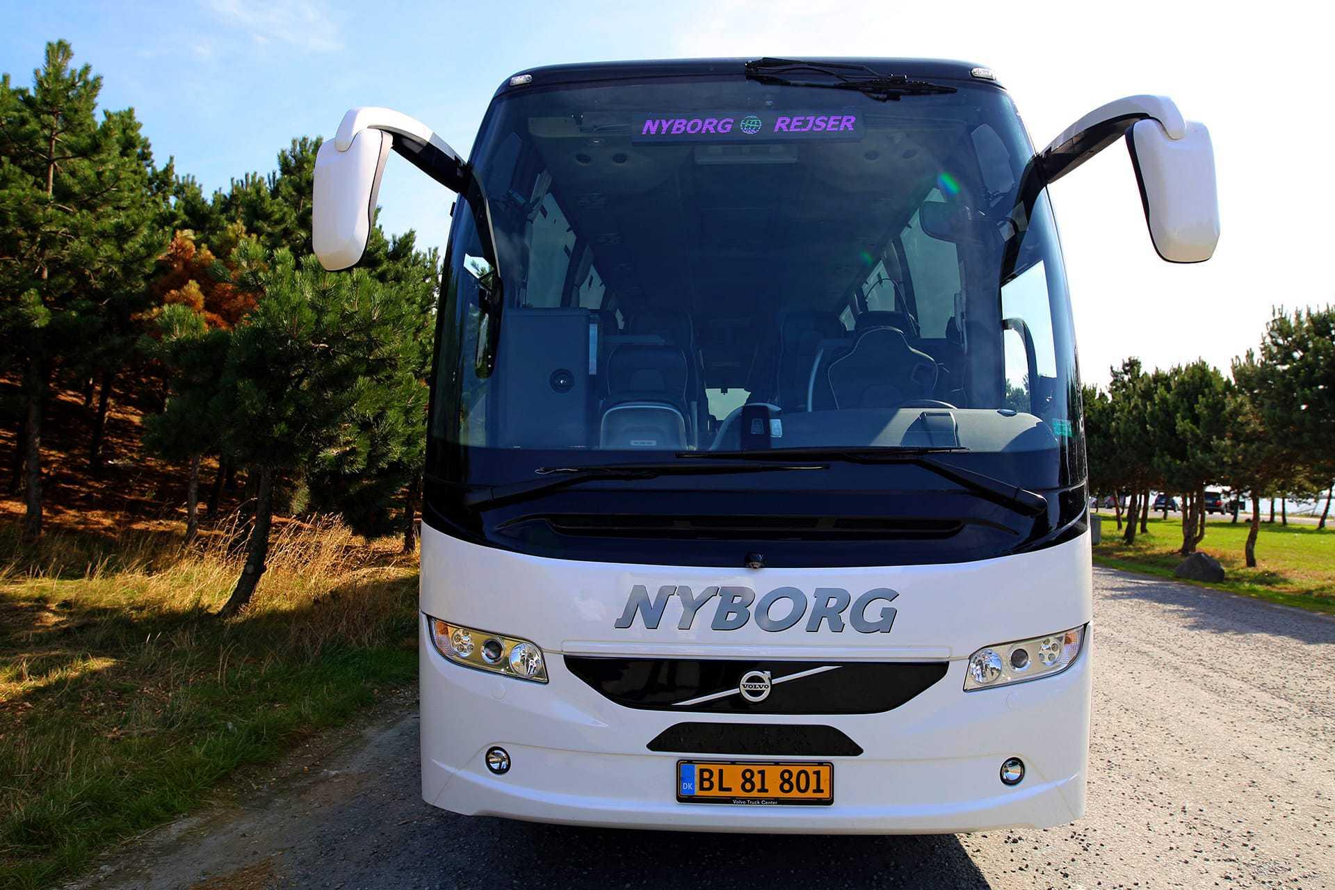 closeup-af-bus